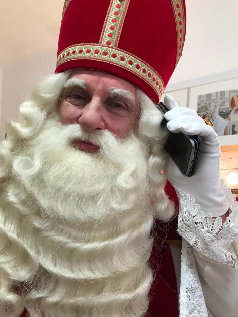 Grime Sinterklaas aan het bellen Frans Koopal